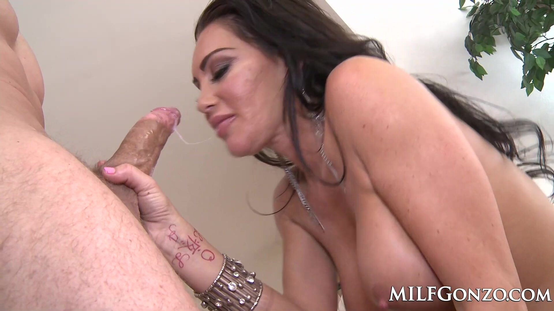MILFGonzo Dayton Rains Fucked And Filled Up With A Creampie